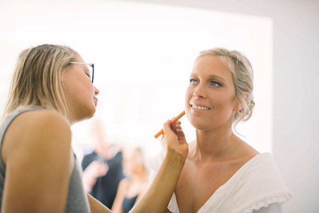 Förberedelser brudklädsel